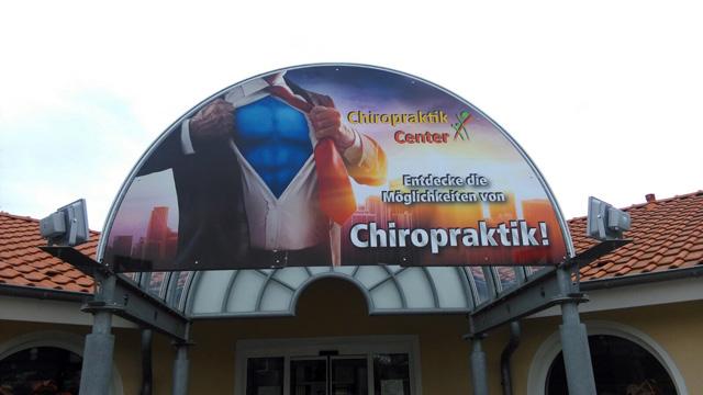 Werbeschild Jever Chiropraktiker